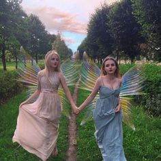 Fae Aesthetic, Photowall Ideas, Elfa, Forest Fairy, Faeries, Aesthetic Pictures, Ethereal, Fairy Tales, Psychedelic Art