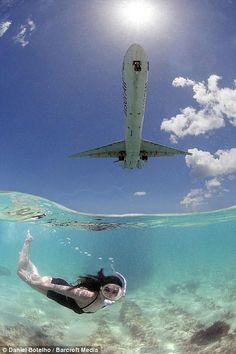 Plane girl - St. Maarten airport