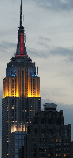 Empire State Building.. I remember I went to the top and everything looked microscopic small. #fun #NYC