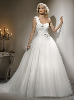 Ball Gown Tulle Sleeveless bridal gown
