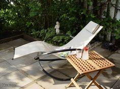Keinuva aurinkotuoli / Rocking sunbed