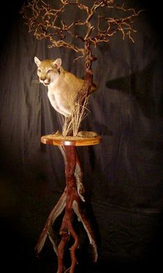 Mountain lion pedestal