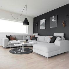 Good evening ----------------------------------------------- #whiteinterior #nordic_homes #interiorwarrior #interiorinspirasjon #interior_and_living #interioristapicture #skandinaviskehjem #interior4all #interior #interiørmagasinet @interior_magasinet #nordiskehjem #interior123 #interior9508 #kkliving #boligplussminstil #rom123 #boligpluss #inspiremeinterior #mynordicroom #interior #interiør #boligmagasinet #kajastef #molekule