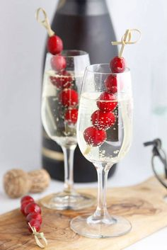 A selection of 25 cocktail and appetizer recipes for your holiday party! Cheers to a New Year's Eve Party. We're sharing all of our favorite appetizer and cocktail recipes to help your party be a smashing success. Christmas Cocktails, Christmas Appetizers, Holiday Cocktails, Holiday Parties, Holiday Decor, Halloween Appetizers, Partys, New Years Eve Party, Pumpkin Recipes