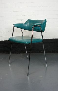 FABULOUS CHROME LEGGED BEN CHAIRS C 1974-billy-hunt-Ben Chairs 18_main_636185407763809286. & King Chair by Strassle-cunningham-white-s-King-Swivel-Strassle-Chair ...