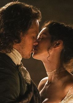 Jamie & Claire exchange a kiss on their wedding day. This episode featured beautiful, intricate costumes for both Sam Heughan and Catriona Balfe. Outlander deserves an Emmy nomination for Best Costume Design!