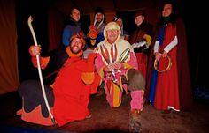 Zauber Gaukler Kalibo, ... macht gerne alle Leute froh, ob jung, ob alt, ob klein, ob groß, die Gauklertruppe ist famos. :-)