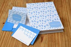 Caixa personalizada com papel carta, envelopes e cartões sociais  #papelariapersonalizada #stationary #blocopersonalizado #dayusepapelaria