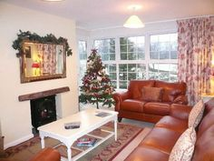 Could your Christmas Holiday feel and look this this? Christmas Holidays, Couch, Furniture, Home Decor, Christmas Vacation, Settee, Decoration Home, Sofa, Room Decor