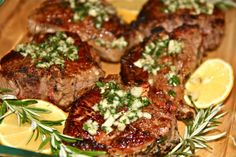 Lemon Rosemary Lamb Chops with Honey-Balsamic Dipping Sauce. This was yummy even without the dipping sauce. Lamb Loin Chops Oven, Oven Baked Lamb Chops, Rosemary Lamb Chops, Roasted Lamb Chops, Marinated Pork Ribs, Fresco, Lamb Chop Recipes, Beef Recipes, Rosemary Recipes
