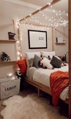 46 Amazing Decoration Ideas For Small Bedroom. A small bedroom can be a big problem, especially when considering how important this space is to your psychological and emotional well . Interior Design Trends, Design Ideas, Design Design, Design Inspiration, Cute Room Decor, Romantic Room Decoration, Room Decorations, Aesthetic Room Decor, Cozy Room