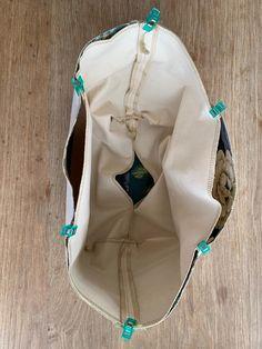 Gratis mønster på Multi-kurv. - Annekakadu.dk Quilting For Beginners, Purses And Bags, Backpacks, Textiles, Quilts, Diy, Gave, Fashion, Large Bags