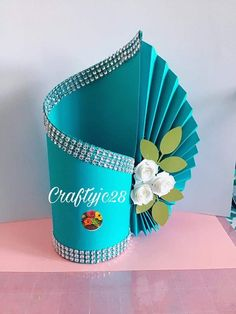 Creative Gift Wrapping, Creative Gifts, Paper Bag Flowers, Birthday Calender, Straw Art, Cheap Gift Bags, Gift Wraping, Deco Table, Sewing Projects For Beginners