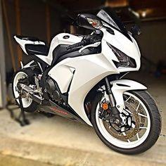 Honda CBR1000RR - Liter bike