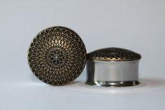 Rétro or fleur bouchons calibres 7/8 1 pouce par FromAHobosHandbag