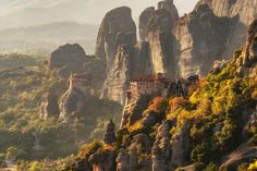 Monastery in Meteora World Travel Guide, Europe Travel Tips, Travel Guides, European Destination, European Travel, Travel Around The World, Around The Worlds, Greece Photography, Imagines
