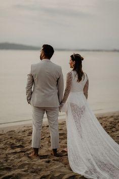 Styled Shoot auf Mallorca (Alcudia)Bridal Outfit   @lauradometzkySchmuck   @burezahFlowers   @wilddaisy.weddingCouple   @krissi_0701 & @meikel_offtotheworld #hochzeitsfotograf #destinationwedding #heiratenimausland #heiratenaufmallorca #weddingintuscany #heiraten2022 #hochzeitsplanung2022 Wedding Gifts, Wedding Day, Top Wedding Trends, Maid Of Honor, How To Memorize Things, Wedding Inspiration, Bridesmaid, Weddings, Group