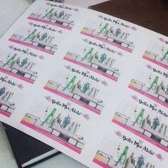 Cartões de visita saindo do forno! 😀  #FEART #Jaguariúna #FeiradeArteeArtesanato #papelaria #cartãodevisita #identidadevisual #cartõesdevisita #feitoàmão #produtosartesanais #handmade #handcrafted #craft