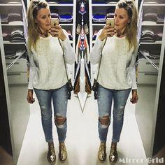 Apaixonada por essa calça cropped G4 rasgada! Vai estar bem presente nos meus looks do dia. Hora de dar aquela voltinha. #damyller #meujeansdamyller #streetstyle #streetstyledamylla #jeans #snapchat #somostodosdamyller :damylladamiani #arezzo #flatform #arezzoonline