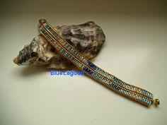 BlueLagoon: Blend Colors in a modified Herringbone Bracelet