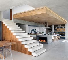 Insanely cool house located in Cape Town, South Africa engages nature on so many levels, starting with the three floors of the home. Glen 2961 is a collaborative work between SAOTA (Stefan Antoni Olmesdahl Truen Architects) and Three 14 Architects,
