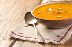 Pumpkin Health Benefits With Soup Pumpkin Health Benefits, Winter Soups, Frugal Living, Cheeseburger Chowder, Coco, Thai Red Curry, Stew, Soup Recipes, Good Food