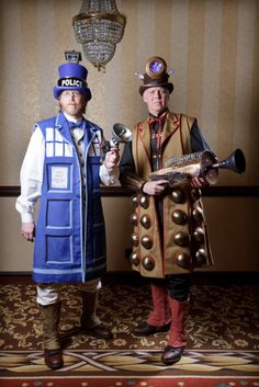 CONvergence 2011 - Steampunk Tardis and Dalek
