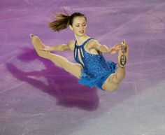 Sasha Cohen's flexibility is ridiculous! WOW.....I wish I could do that!