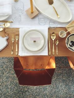 Gathering of great design at The American Swedish Institute with The Forage Modern Workshop & The Foundry Home Goods. Copper Real Good Chairs by Blu Dot. #holiday #modernholiday #tablescape #modernChristmas