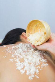 {Vendredi Soin} Un gommage corps pour peau douce et entrer doucement dans l'été... Notre sélection de spas, instituts, thalasso...