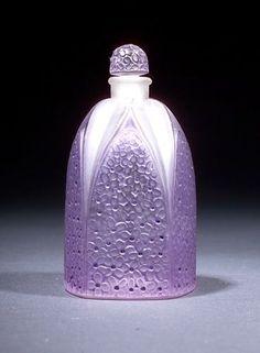 """René Lalique Perfume bottle for Gabilla, """"Lilas,"""" Lalique Perfume Bottle, Antique Perfume Bottles, Vintage Perfume Bottles, Art Nouveau, Art Deco, Parfum Guerlain, Perfumes Vintage, Beautiful Perfume, Antique Glass"""