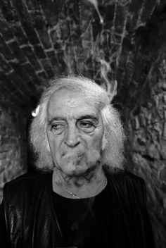 Mario Giacomelli (1925-2000) - Italian photographer. Photo © Ferdinando Scianna, 1995 Magnum Photos, Famous Photographers, Portrait Photographers, Portraits, Mario, Roberto Rossellini, People Come And Go, Photographer Portfolio, Photo B