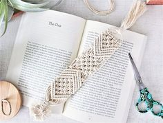 Macrame Bookmark // Bookmarker // Boho Bookmark // Place Holder // Bridesmaid Gift // Book Lovers Gi