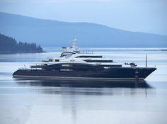 Brief visit of World's Tenth Biggest Megayacht the Serene 695 :: Gillfoto ::
