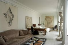 Best Interior, Interior And Exterior, Exterior Design, Spanish Interior, Famous Interior Designers, Modern Sofa, Living Room Sofa, Living Rooms, Elle Decor