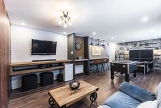 Basement Shelving, Basement Gym, Basement Remodeling, Basement Ideas, Man Cave Living Room, Arcade Room, Home Budget, Family Room, Sweet Home