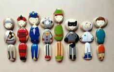 Painted people pebbles - fun game swapping them around! Stone Crafts, Rock Crafts, Fun Crafts, Diy And Crafts, Crafts For Kids, Arts And Crafts, Pebble Painting, Pebble Art, Stone Painting