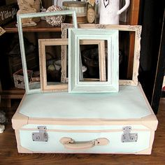 My suitcase makeover - chalk paint, diy, handmade vintage shabby frames and old suitcase