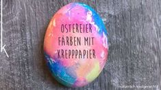 Do you fancy an Easter craft afternoon with your kids? - Do you fancy an Easter craft afternoon with your kids? Do you want to dye Easter eggs together? Easter Egg Dye, Coloring Easter Eggs, Diy And Crafts, Crafts For Kids, Arts And Crafts, Kinfolk Magazine, Diy Ostern, Crepe Paper, Artisanal