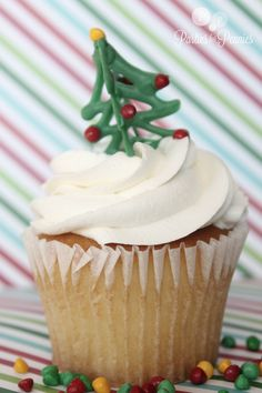 Christmas Cupcake Toppers - xmas tree final.. so cute!