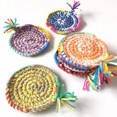 Knit Patterns, Cool Kitchens, Sewing Crafts, Coasters, Crochet Earrings, Knitting, Crochet Coaster, Kitchen Goods, Handmade
