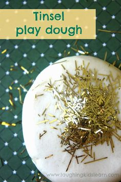 Gorgeous tinsel play dough children can play with at home or at school/preschoool. Great for Christmas time play. Tinsel in the dough Preschool Christmas, Christmas Activities, Christmas Crafts For Kids, Homemade Christmas, Christmas Themes, Kid Crafts, Christmas Tinsel, Winter Christmas, Holiday
