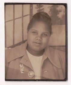 VINTAGE 1930s PHOTOBOOTH Arcade Photo of CHUBBY BLACK GIRL with PINS on HER COAT