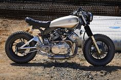 Yamaha XV750 Bobber by DS Design #motorcycles #bobber #motos | caferacerpasion.com