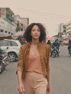 À voir : l'enquête de Noémie Lenoir sur la mode africaine et ses paradoxes
