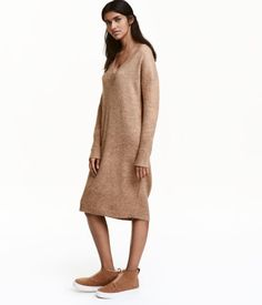 Long and cozy with a boyfriend fit, it's ridiculously easy to throw this sweater on for an effortless look.