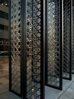 Hotel Dua by Koan Design // Diseño Interior: paneles en diseño geométrico, Hotel Dua por Koan Design.
