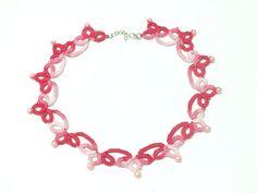 Collar de Encaje Frivolite Rosa con Perlas Collar de por Hermitinas