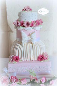 Pink Roses & Lace Wedding Cake