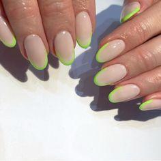 Esmalte neon: 30 fotos VIBRANTES e marcas para unhas de arrasar 10 Simple Fourth Of July Nails To Keep You Minimalist. Neon Nail Polish, Neon Nails, Cute Acrylic Nails, Neon Nail Art, Trendy Nail Art, 3d Nails, Stylish Nails, Glitter Nails, Coffin Nails
